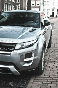 I don´t like range rover  but this looks beautiful