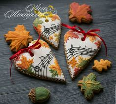 Wowww stunning work and colors Leaf Cookies, Fall Cookies, Iced Cookies, Cute Cookies, Holiday Cookies, Cupcake Cookies, Sugar Cookies, Cupcakes, Sugar Cookie Frosting