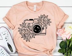 Photographer Shirt // Photographer Gift // Travel and Adventure Shirts // Camera Lovers // Photographer Tee Tshirt Photography, Paint Shirts, T Shirt Painting, Photographer Gifts, Cute Shirts, Men Shirts, Shirt Style, Shirt Designs, Cute Outfits