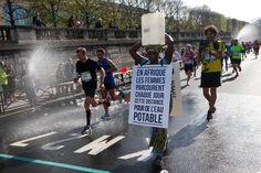 Marathon de Paris : « En Afrique, les femmes parcourent chaque jour cette distance pour de l'eau potable. »
