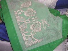 bordados en tul y dibujos ile ilgili görsel sonucu Needle Lace, Lace Embroidery, Longarm Quilting, Tulle Lace, Quilting Designs, Arts And Crafts, Quilts, Sewing, Tambour