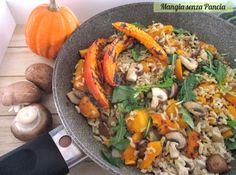 Il riso zucca e funghi con rucola è un primo piatto vegan, gustoso e saziante. La zucca resta soda e il riso è integrale: un piatto tutto da masticare!