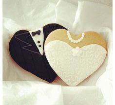 adorable cookies for the wedding!! decorated cookies are perfect for a wedding snack!!