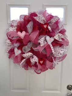 15 Simple and Loving DIY Valentine Decorations - Whether you're organizing Valentine's party or not, your home deserves decoration updates to welcome this love-filled season. You can still create a l. Diy Valentines Day Wreath, Valentine Decorations, Heart Ornament, Heart Wreath, Wooden Wreaths, Pink Wreath, Valentine's Day Diy, Deco Mesh Wreaths, How To Make Wreaths