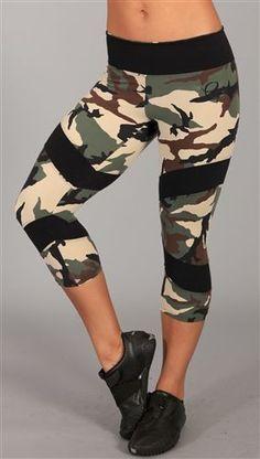 >> TheWeighWeWere.com << BootyFits.com by Yanina Sportswear - Sexy fitness wear, womens exercise clothing, womens Activewear, workout wear, athletic wear, Brazilian fitnesswear. Etc - Bia Brazil Capri SL1013
