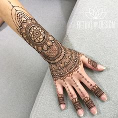 "1,570 Likes, 45 Comments - Sabreena ✨ (@ritualbydesign) on Instagram: ""Two of my all time favorite bold feminine designs.... Can someone do them for me pleasssseeee …"""