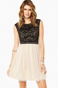 Wyndoline Dress