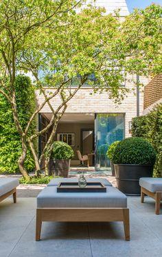 Outdoor Furniture Design, Balcony Furniture, Sliding Glass Door, Sliding Doors, Glass Doors, Design Patio, Courtyard Design, Balcony Design, Contemporary Garden Design
