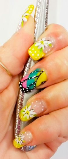 Spring Nails Butterfly Wing and Daisies