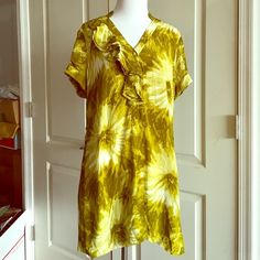 "Anthropologie tabitha green floral 100% silk dress Comfortable, lightweight silk material. Asymmetrical ruffle on chest with button down. Measurements laying flat: bust 20"", waist 18"", length from shoulder 31"". Does not come with original belt. In great condition. Anthropologie Dresses"