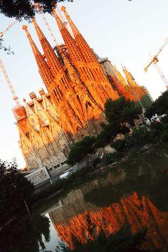 バルセロナ観光の目玉『サグラダ・ファミリア』を味わい尽くせ! | スペイン | Travel.jp[たびねす]