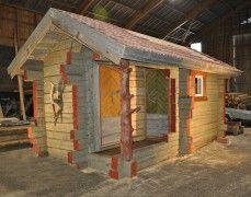 Pihasaunat upeasta vanhasta hirrestä - Wanha Warikko Shed, Outdoor Structures, Home, Exotic Homes, Ad Home, Homes, Haus, Barns, Sheds