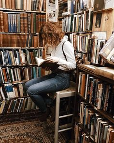Shared by Bibliophile. Find images and videos about girl, love and aesthetic on We Heart It - the app to get lost in what you love. Good Books, Books To Read, My Books, Foto Baby, Ex Machina, Book Aesthetic, Belle Aesthetic, Aesthetic Beauty, Photo Journal