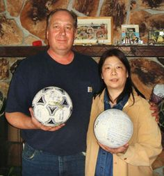 Tsunami-swept soccer ball to be returned from U.S.