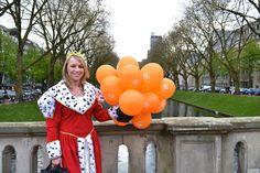 Königin auf der KÖ mit Auping Ballons für den koninginnedag - Königinnentag