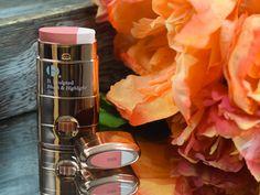B. Sculpted Blush & Highlight in Dark // highstreet makeup // drugstore makeup // drugstore highlighter // highstreet highlighter // rose gold makeup // beauty blog photography //