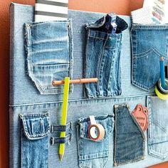 Opbergbord van oude broeken
