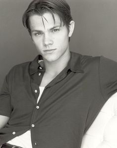Pictures & Photos of Jared Padalecki - IMDb  He's sooo young here.....