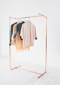 Minimal Reverse Reflection Copper Pipe Clothing Rail / Garment Rack / Clothes Storage