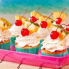 Piña colada cupcakes - let's luau! Piña colada cupcakes - let's luau! Pina Colada Cupcakes, Kokos Cupcakes, Luau Cupcakes, Hawaiian Cupcakes, Birthday Cupcakes, Tropical Cupcakes, Pineapple Cupcakes, Tropical Party Foods, Watermelon Cupcakes
