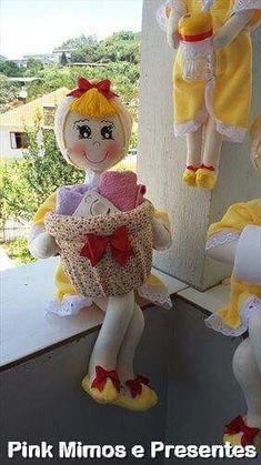 Fabric Paper, Fabric Crafts, Paper Ribbon, Diy Pom Pom Rug, Bathroom Crafts, Towel Crafts, Diy Gift Box, Soft Sculpture, Diy Doll