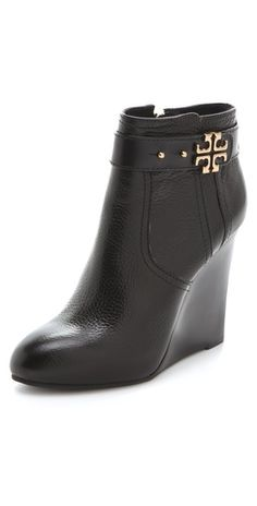 f906250b018a4f Tory Burch Elina Wedge Booties Autumn Street Style