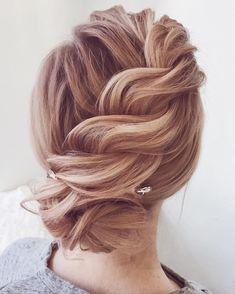Updo bridal hairstyles ,Unique wedding hair ideas to inspire you #weddinghair #hairideas #hairdo #bridalhair #weddinghairstyles
