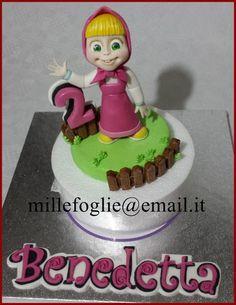 Cake topper Masha in pasta di zucchero