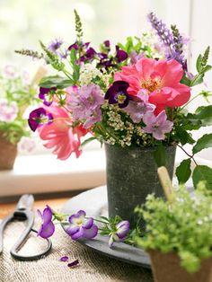 How to arrange your garden blooms