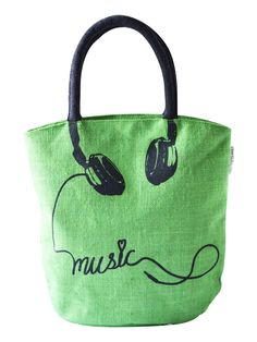 Plug in the headphones in your mobile, listen to your favorite music and life wouldn't have been more happier. The musically fresh Jute tote bag will bring in the freshness to your wardrobe that you very much need.  - See more at: http://www.earthenme.com/New-Arrivals/Muscially-Fresh-Blue-Tote-Bag-id-2001025.html#sthash.dtZ0RrqX.dpuf  http://www.earthenme.com/New-Arrivals/Musically-Fresh-Green-Tote-Bag-id-2030303.html