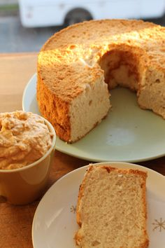 Spiced Angel Food Cake with Pumpkin Whipped Cream- I normally hate angel food cake but this sounds kind of good, I'd use Cool Whip Free mixed with plain pumpkin puree, cinnamon, and splenda. KR