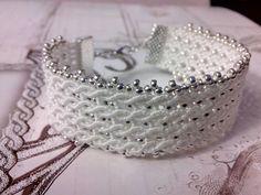 Bracelet micro-macramé Tissage de fil C-LON BEADING CORD 0,50 MM,perles silver metalic et de largeur 2cm. Sera fait sur commande dans la couleur que vous désirez... N'hési - 15851271