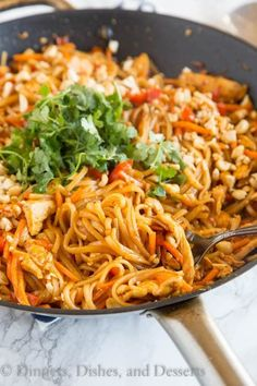 THAILAND: Spicy Thai Noodles with Chicken - a super quick and easy dinner that is on the table in minutes. Full of great Thai flavor with easy to find ingredients! Best Chicken Recipes, Asian Recipes, Healthy Recipes, Thai Recipes, Yummy Recipes, Free Recipes, Spicy Thai Noodles, Recipes With Thai Noodles, Drunken Noodles