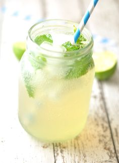 Ginger and Lemongrass Fizz - sweetened with honey and so much healthier than soda! #sugarfree #ginger #healthy