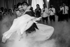 NUNTA - Foto y Cafe - Fotografie de nunta, fotograf nunta, foto-video nunta, idei de posing, wedding day, wedding photos, wedding photoshoot, wedding first dance  www.fotoycafe.ro