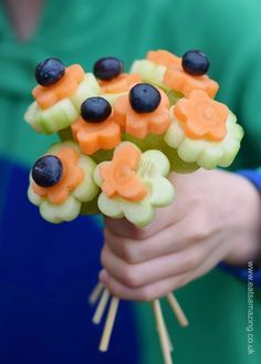 Easy Vegetable Flowers Bouquet - Healthy and fun kids snack idea from Eats Amazing UK - a lovely idea for Mothers Day or a cute Easter centerpiece!