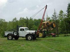 hydraulic crane - WeldingWeb™ - Welding forum for pros and enthusiasts Old Dodge Trucks, 4x4 Trucks, Diesel Trucks, Mini Trucks, Dodge Power Wagon, Truck Mods, Tow Truck, Truck Mounted Crane, Old Tractors