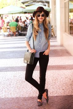 Simplicity. hat. denim. black. slippers