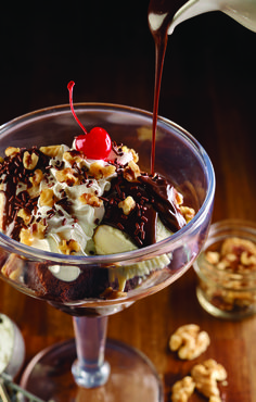 A gift card for the Hard Rock Cafe sure would be sweet! ;) Like this Hard Rock Cafe Sundae  #HardRockTampa