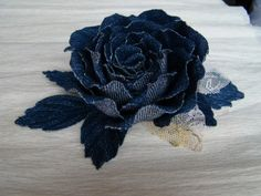 Rose aus Jeans