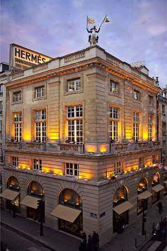 Hermès boutique rue du Faubourg Saint Honoré in Paris