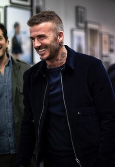 Ideas For Haircut Mens Undercut David Beckham David Beckham 2018, Moda David Beckham, David Beckham Style, Mens Summer Hairstyles, Trendy Mens Haircuts, Trendy Hairstyles, David Beckham Haircut, Hair And Beard Styles, Hair Styles