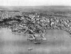 The Botanical Gardens and Circular Quay, Sydney Harbour, 1929 Historical Pictures, Sydney Australia, Beautiful Buildings, Botanical Gardens, Old Photos, Great Places, City Photo, Past, Australia