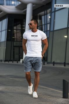 Crew Neck White Designer Brand Mens T-shirts Online - Cool Urban Fashion Graphic Tees – RB Design Store Mens Casual T Shirts, Cool Shirts For Men, Men Casual, Stylish Men, Urban Fashion, Mens Fashion, Street Fashion, Fashion 2020, Fashion Trends