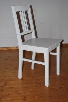 Vintage Stühle - alter Stuhl in matt-weiß - ein Designerstück von Antikhof-Sernow bei DaWandahttp:// de.dawanda.com/product/73818799-alter-Stuhl-in-matt-weiss#product_gallery