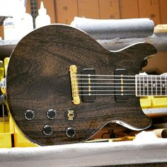 Gibson Custom Les Paul Special Double-cut in TV Black Gold