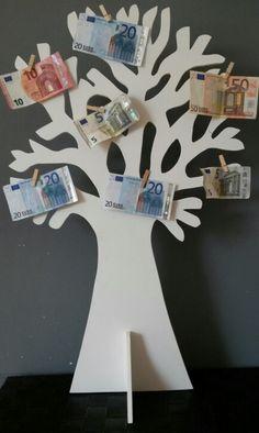 I.p.v. geld in een saaie envelop : de geldboom. www.mmkado.nl