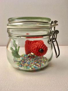 die besten 25 goldfisch im glas ideen auf pinterest goldfisch glas fimo und polymer. Black Bedroom Furniture Sets. Home Design Ideas