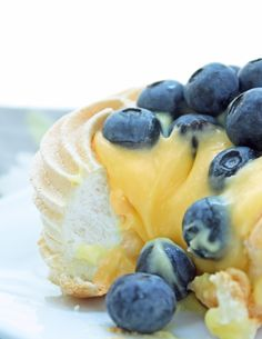 Sugar Free Berry & Lemon Curd Pavlovas - low carb and gluten free.