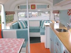 Stunning Retro Viscount Caravan Interior For Happy Camp. If you're contemplating putting up your caravan for sale, you might have gotten stuck when it has to do with putting a price on it. Interior Motorhome, Interior Trailer, Caravan Interior Makeover, Campervan Interior, Camper Makeover, Camper Renovation, Rv Interior, Vintage Campers, Caravan Vintage